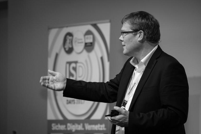 Dr. Hubert Jäger auf einer der Industrie 4.0 Veranstaltungen, Events