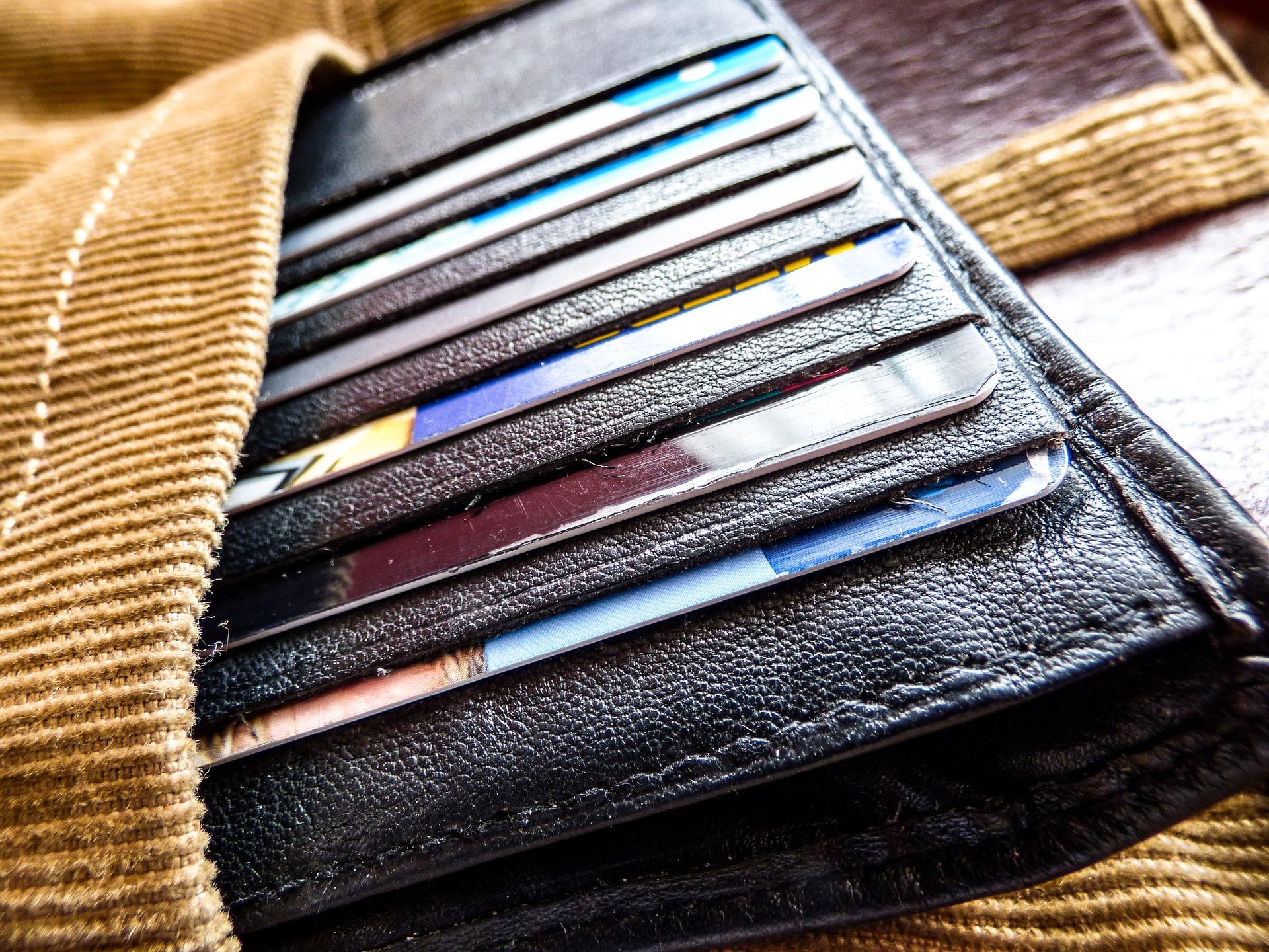 Login Card passt in den Geldbeutel